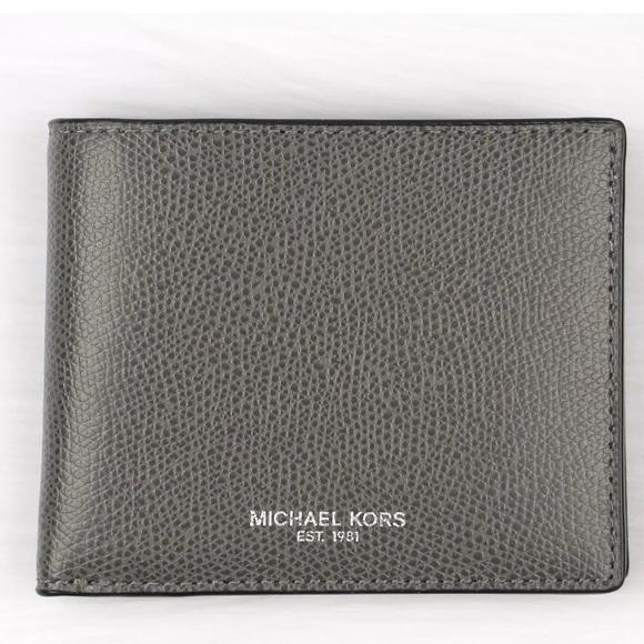 824c7c4475135a Michael Kors Bags   Authentic Warren Bifold Slim Wallet   Poshmark